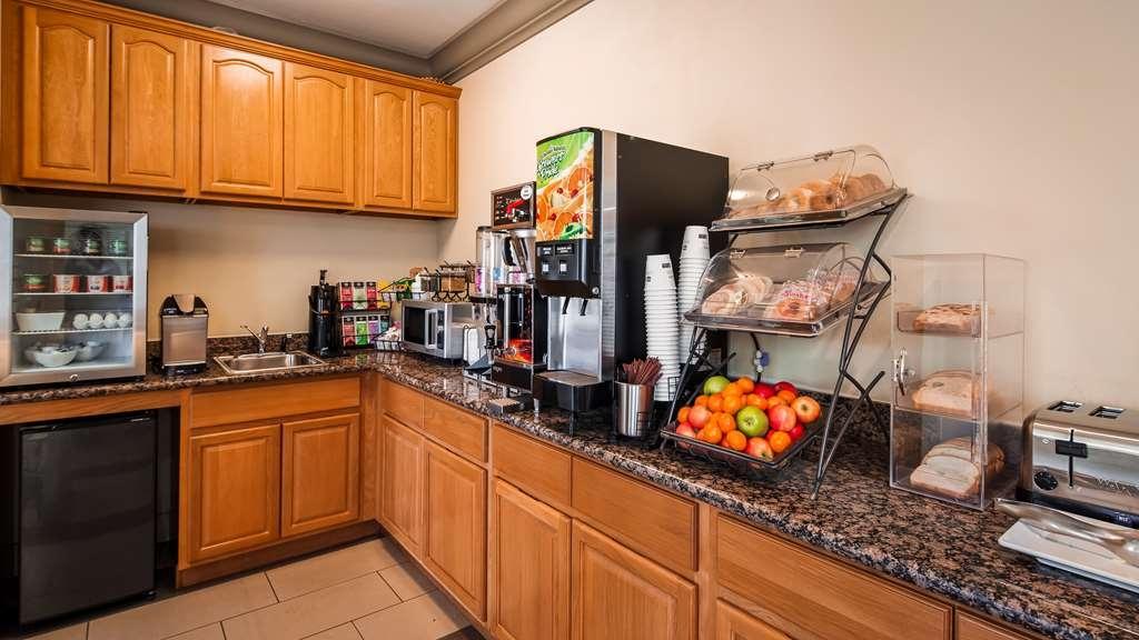 Best Western Willits Inn - Breakfast Area