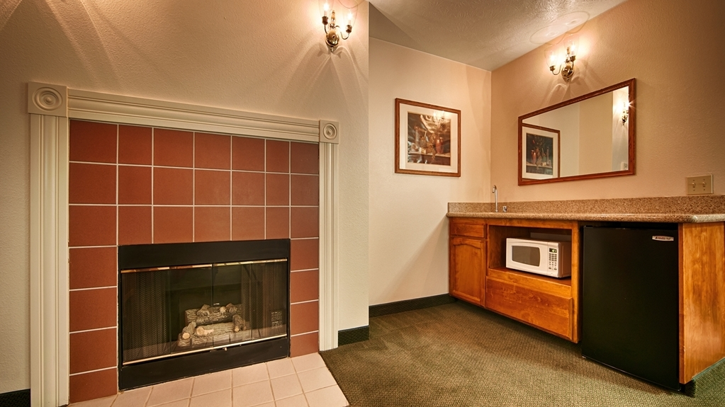 Best Western John Jay Inn - This King Suite with fireplace is perfect for a layover, extended stay or weekend getaway.