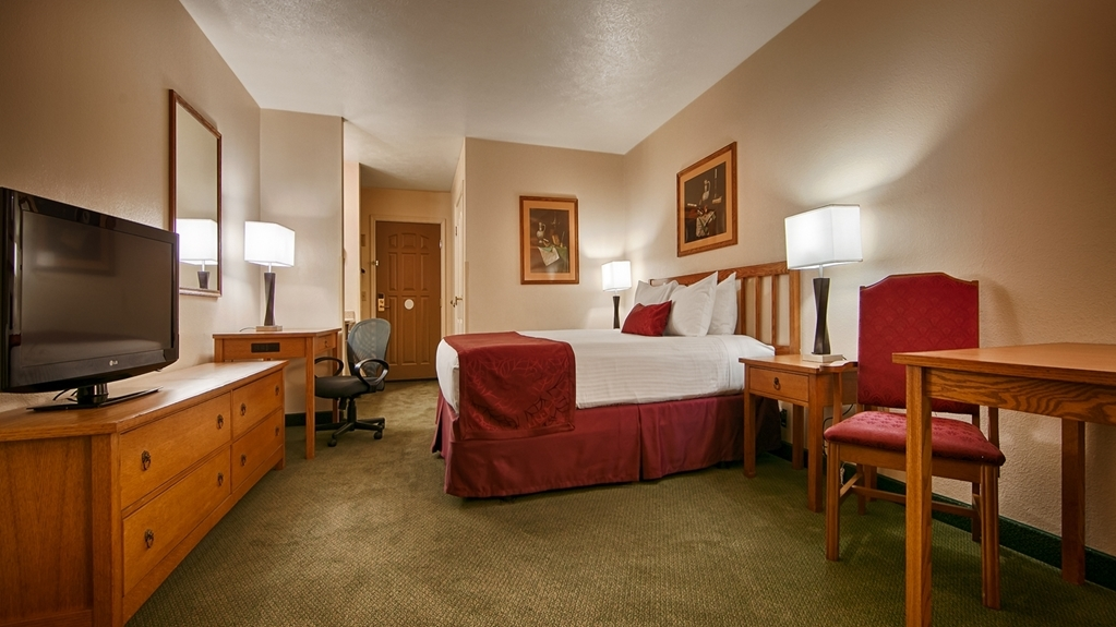 Best Western John Jay Inn - Designed for corporate and leisure traveler alike, make a reservation in this King Guest Room.