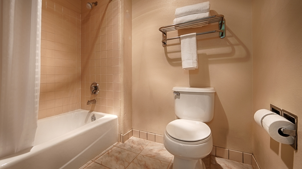 Best Western John Jay Inn - Upgraded showerheads are just some of our new enhancements in our guest bathrooms.