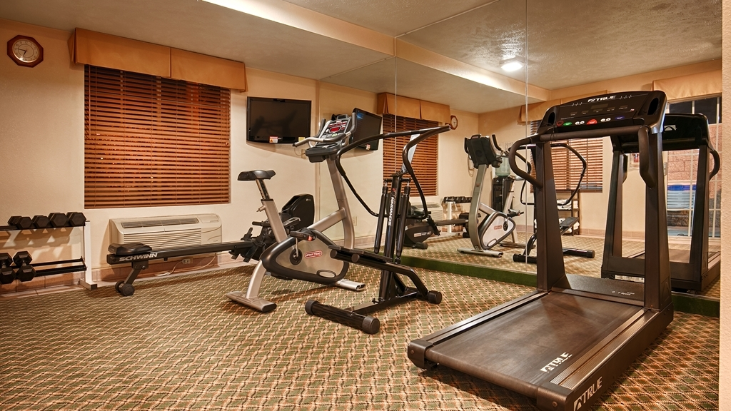 Best Western John Jay Inn - Maintain your fitness routine during your stay with us in our fitness center.