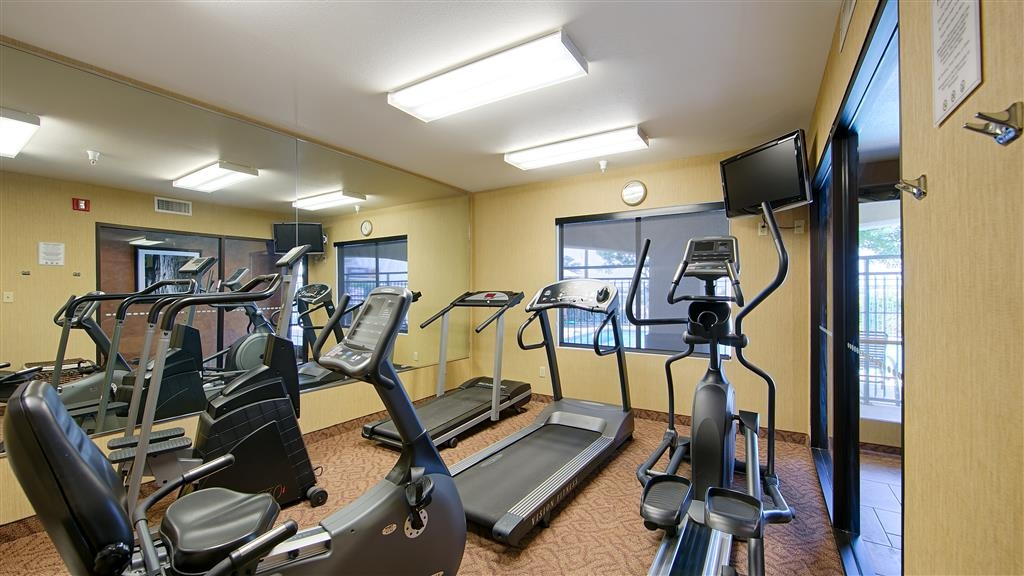 Best Western Exeter Inn & Suites - Keep up with your workout routine in our Fitness Center