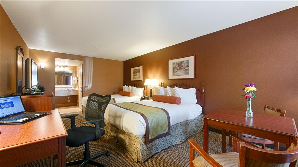 Best Western Exeter Inn & Suites - Make yourself at home in our Two Queen Guest Room