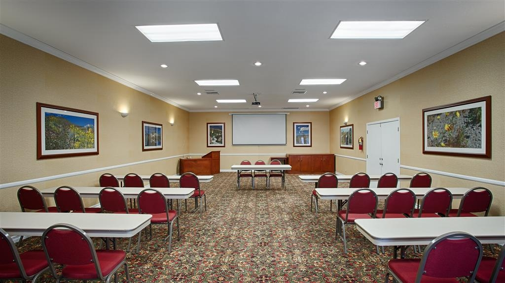 Best Western China Lake Inn - Salle de réunion