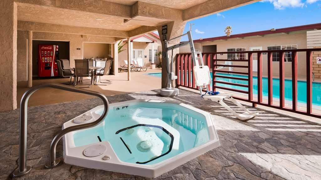 Best Western China Lake Inn - Vue de la piscine