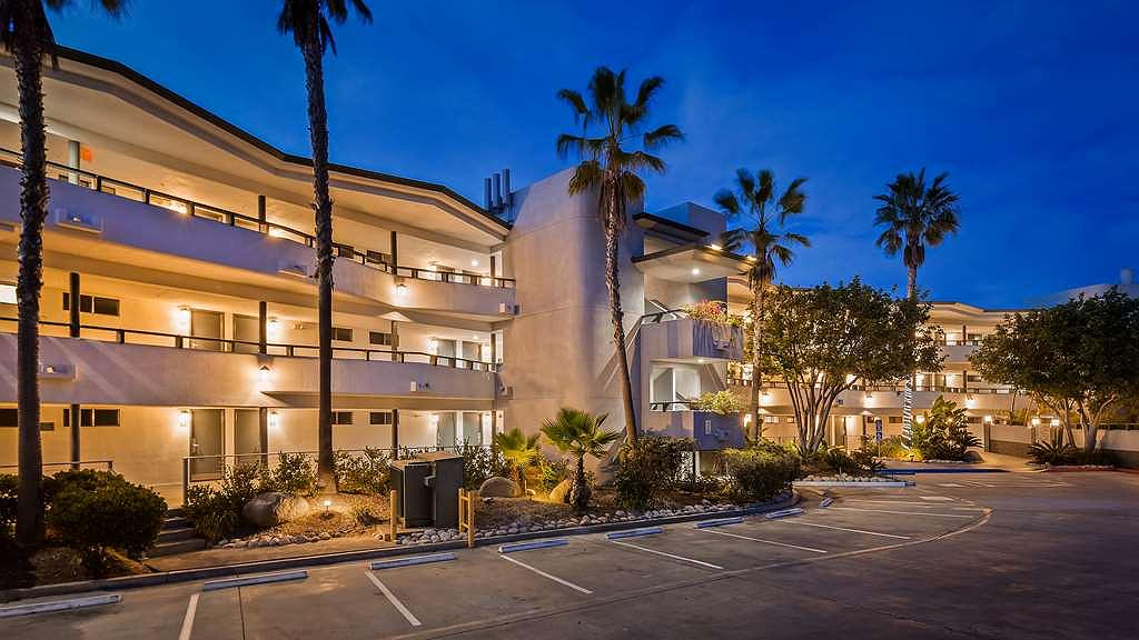 Best Western Encinitas Inn & Suites at Moonlight Beach - Aussenansicht