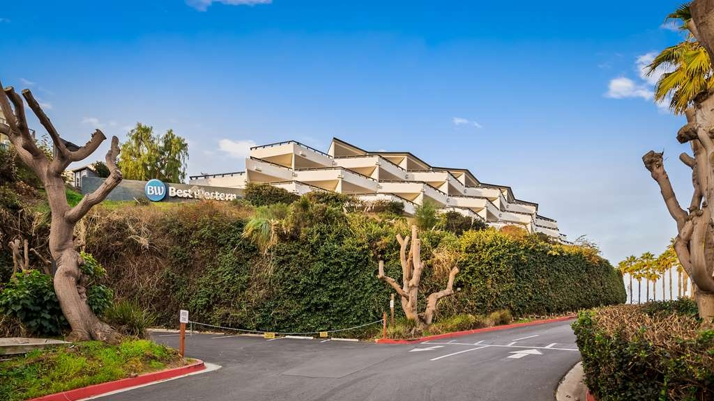 Best Western Encinitas Inn & Suites at Moonlight Beach - Facciata dell'albergo