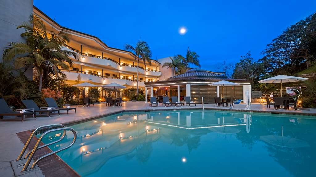Best Western Encinitas Inn & Suites at Moonlight Beach - Piscina