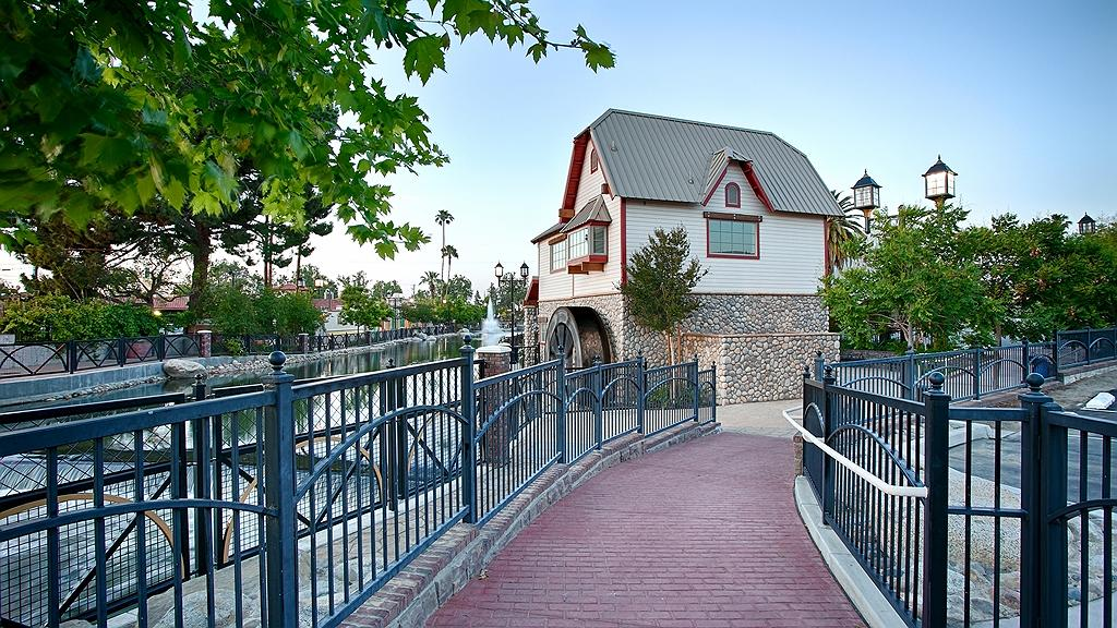 Best Western Plus Hill House - Vista exterior
