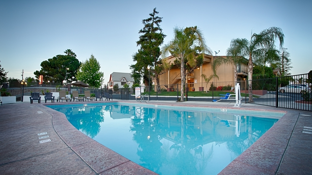 Best Western Plus Hill House - Piscina