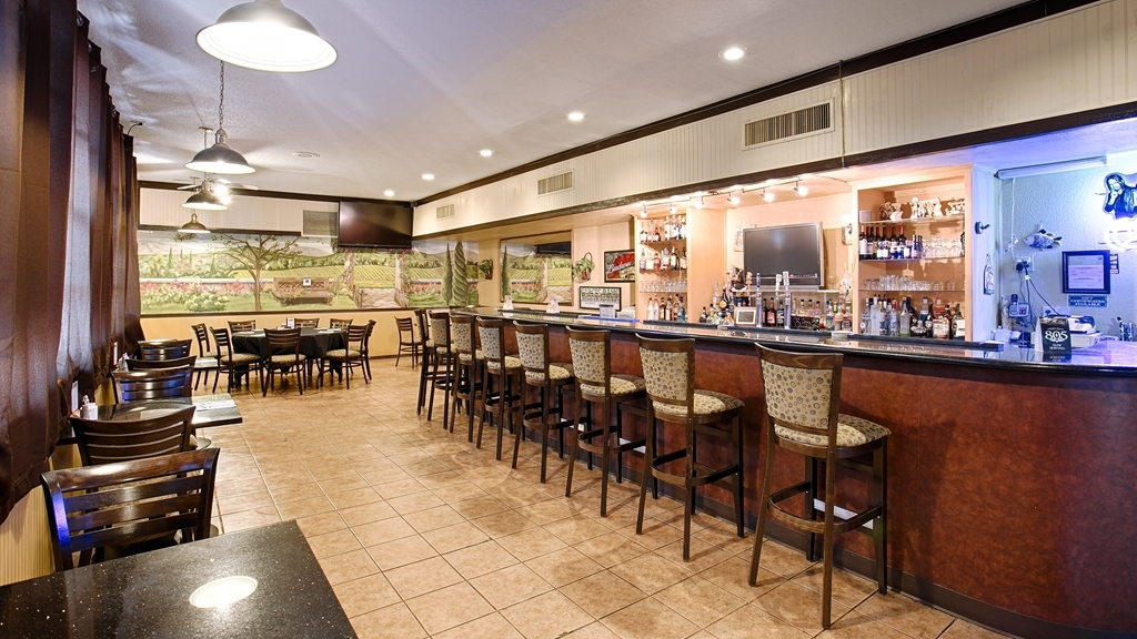 Best Western Plus Hill House - Bar/Lounge