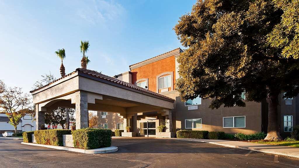 Best Western Plus Villa Del Lago Inn - Aussenansicht