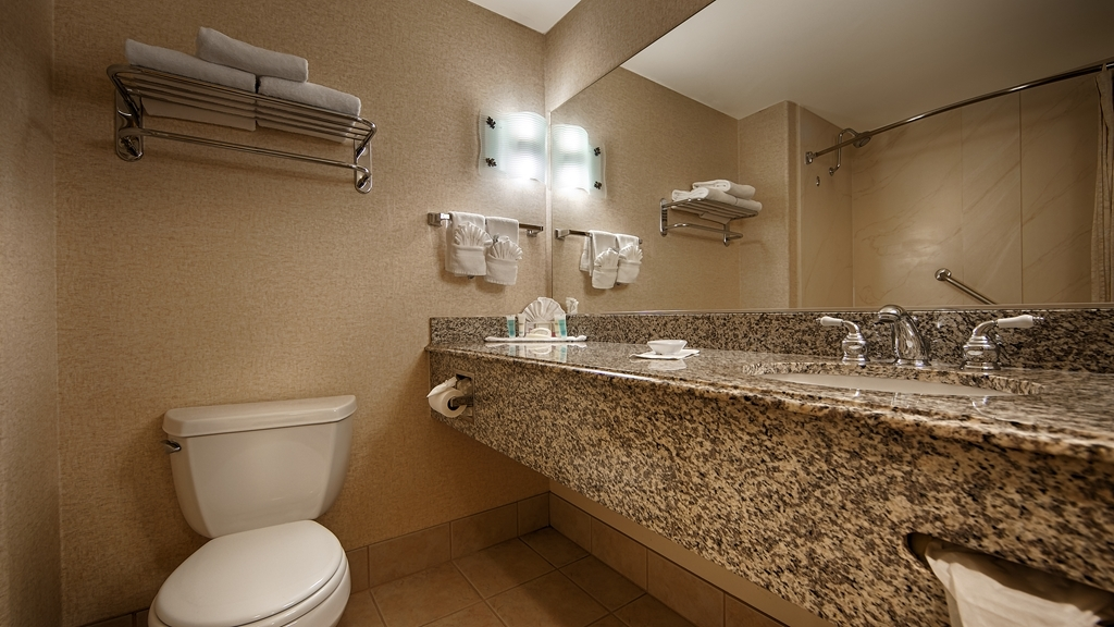 Best Western Cedar Inn & Suites - Enjoy getting ready in our Guest Bathrooms