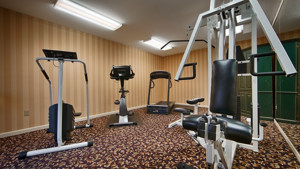Best Western Cedar Inn & Suites - No need to disrupt your workout routine.