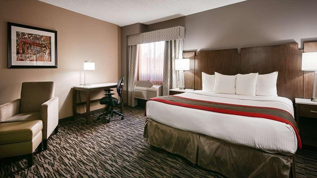 Best Western Los Alamitos Inn & Suites - King Standard Business Room - Very spacious standard room!