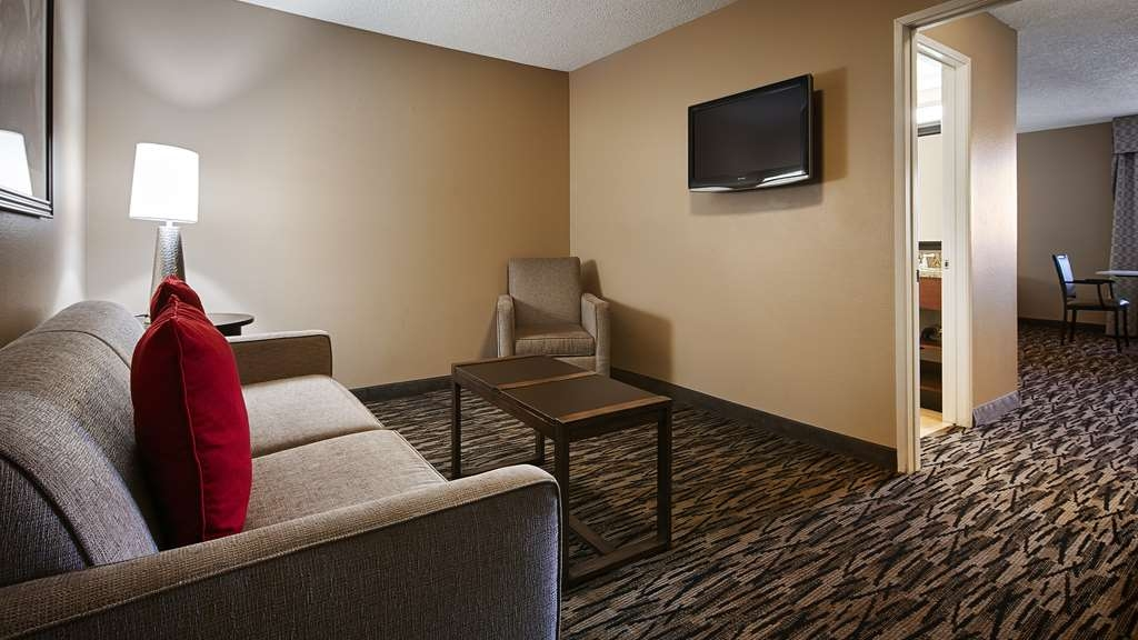 Best Western Los Alamitos Inn & Suites - Suite