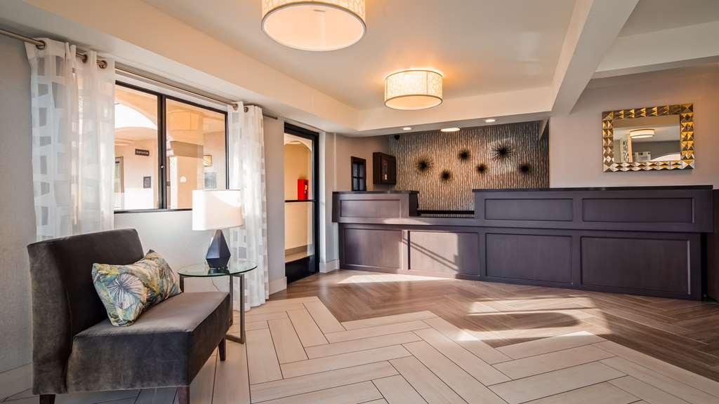 Best Western Los Alamitos Inn & Suites - Hall
