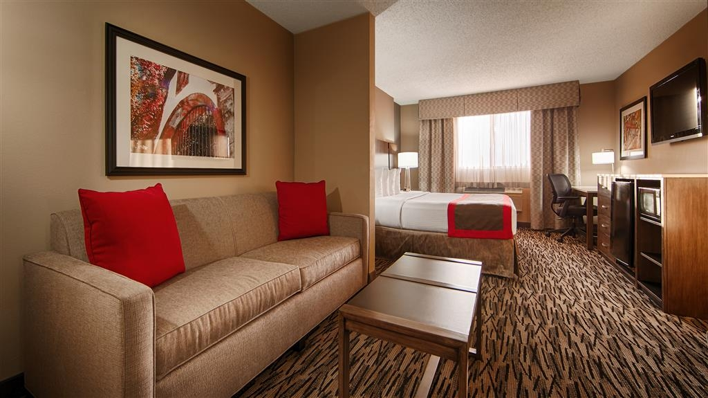 Best Western Los Alamitos Inn & Suites - King Suite - Open layout! This suite is for the guest who enjoy more of an open layout rather than a dividing door. Great for business travelers & if you're looking for a spacious upgrade from our Standard King.