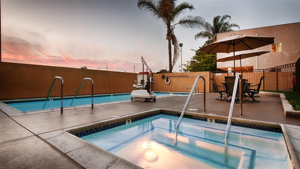 Best Western Los Alamitos Inn & Suites - Swimmingpool