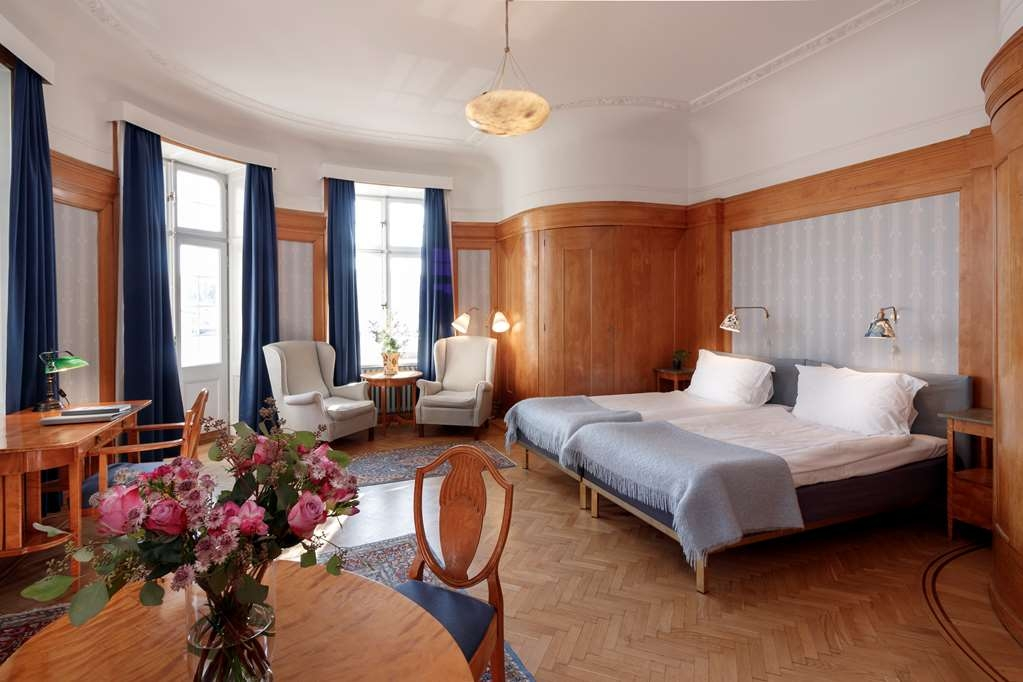 Hotel Esplanade, Sure Hotel Collection by Best Western - Deluxe Double Room with two separate beds.