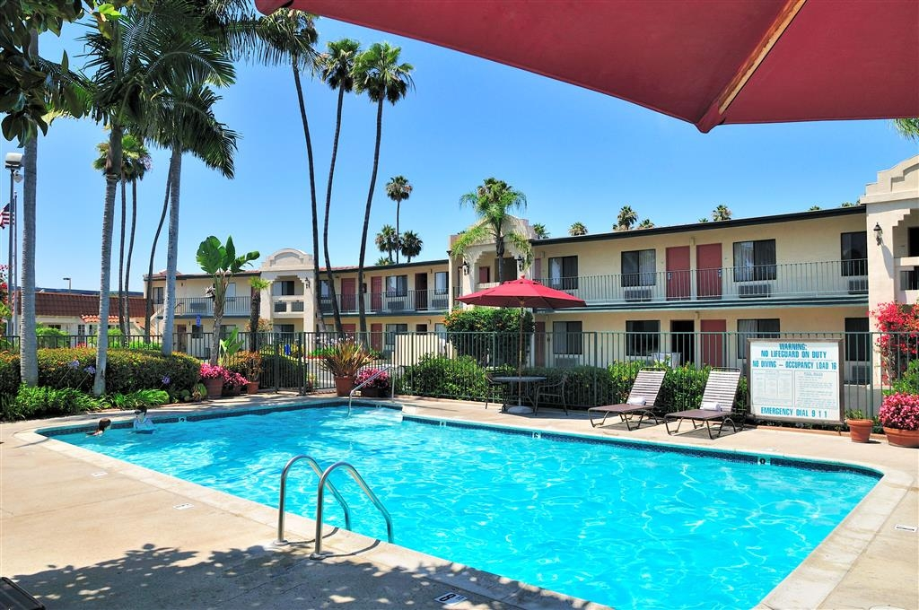 Best Western Lamplighter Inn & Suites at SDSU - Our heated outdoor swimming pool is ideal for kids who want to play, and parents who want to relax!