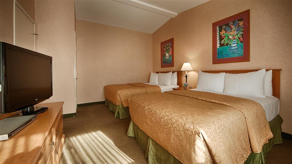 Best Western Lamplighter Inn & Suites at SDSU - Guest Room