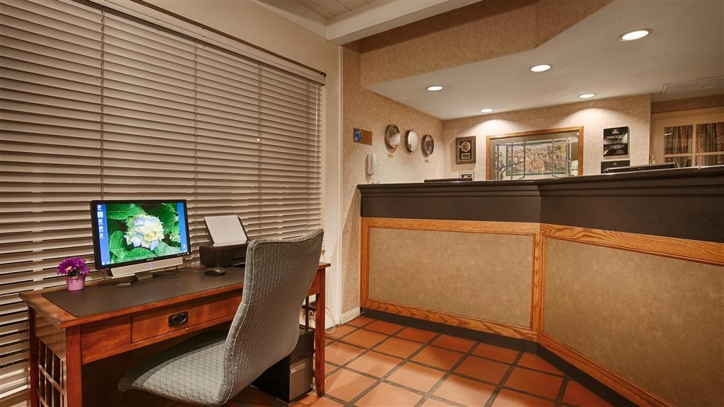 Best Western Lamplighter Inn & Suites at SDSU - Business Center