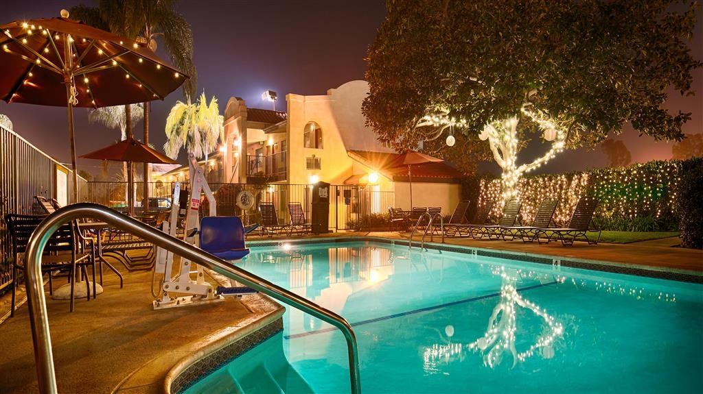 Best Western Lamplighter Inn & Suites at SDSU - Pool