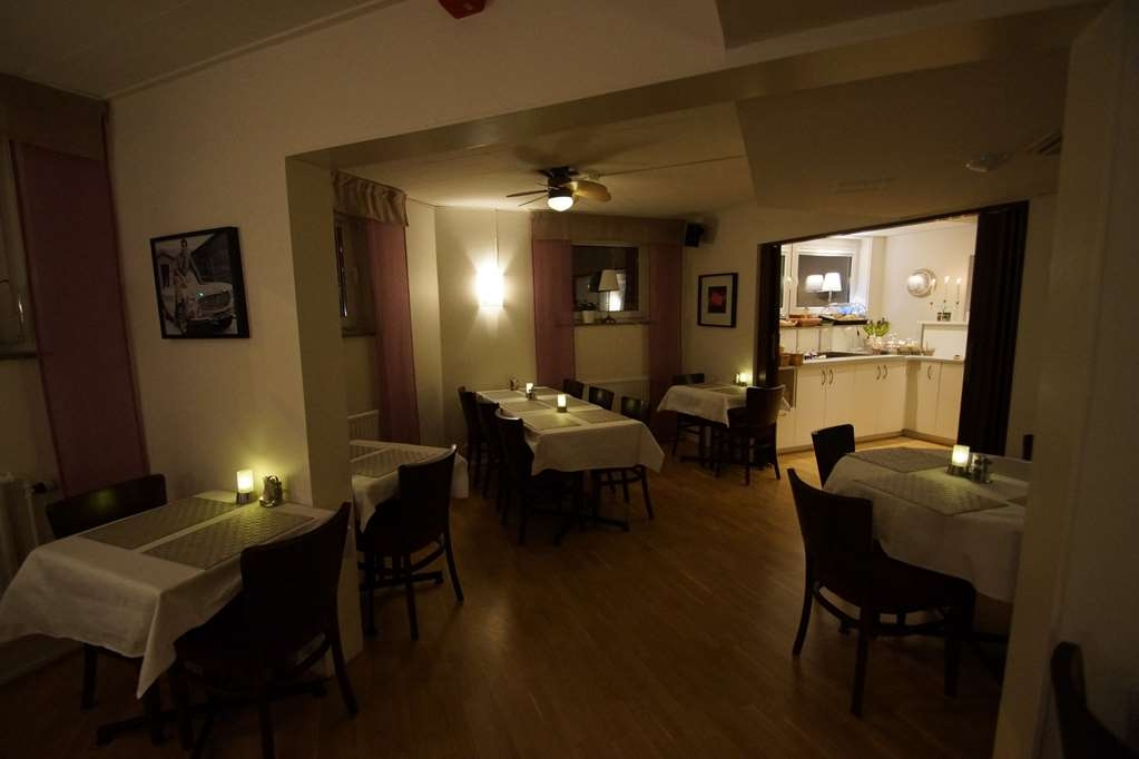 Sure Hotel by Best Western Stanga - Breakfast Buffet and Dining Area