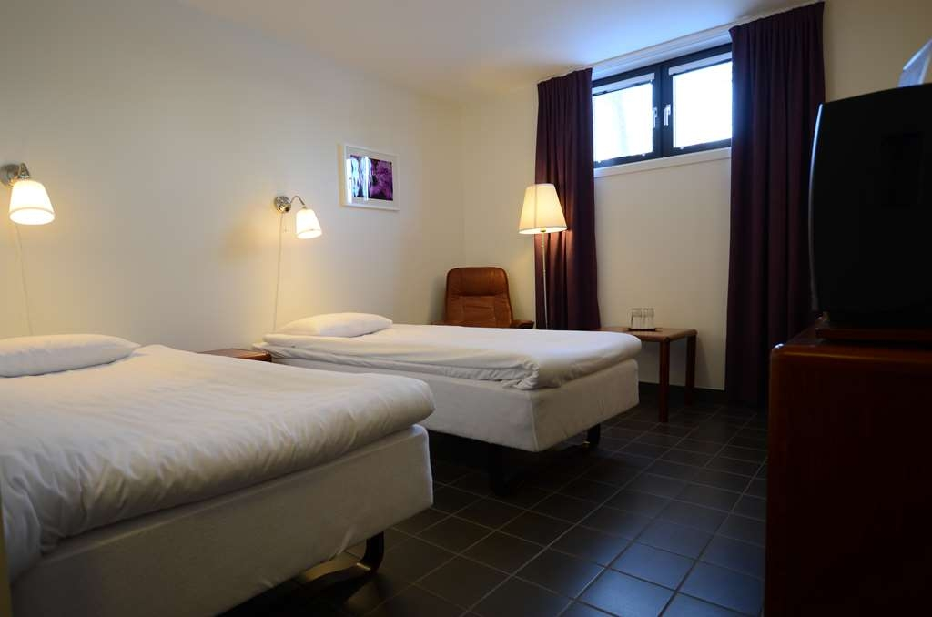 Sure Hotel by Best Western Centralhotellet - Economy Guest Room with Two Separate Twin Size Beds