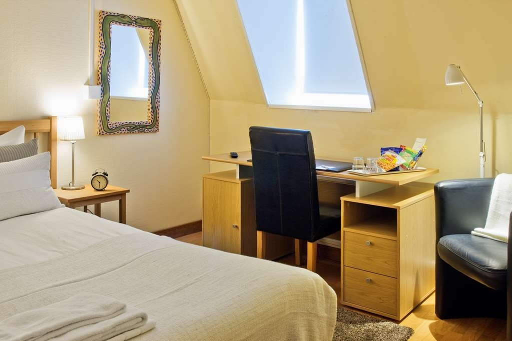 Sure Hotel by Best Western Ojaby Herrgard - Amenities in Room with One Double Bed