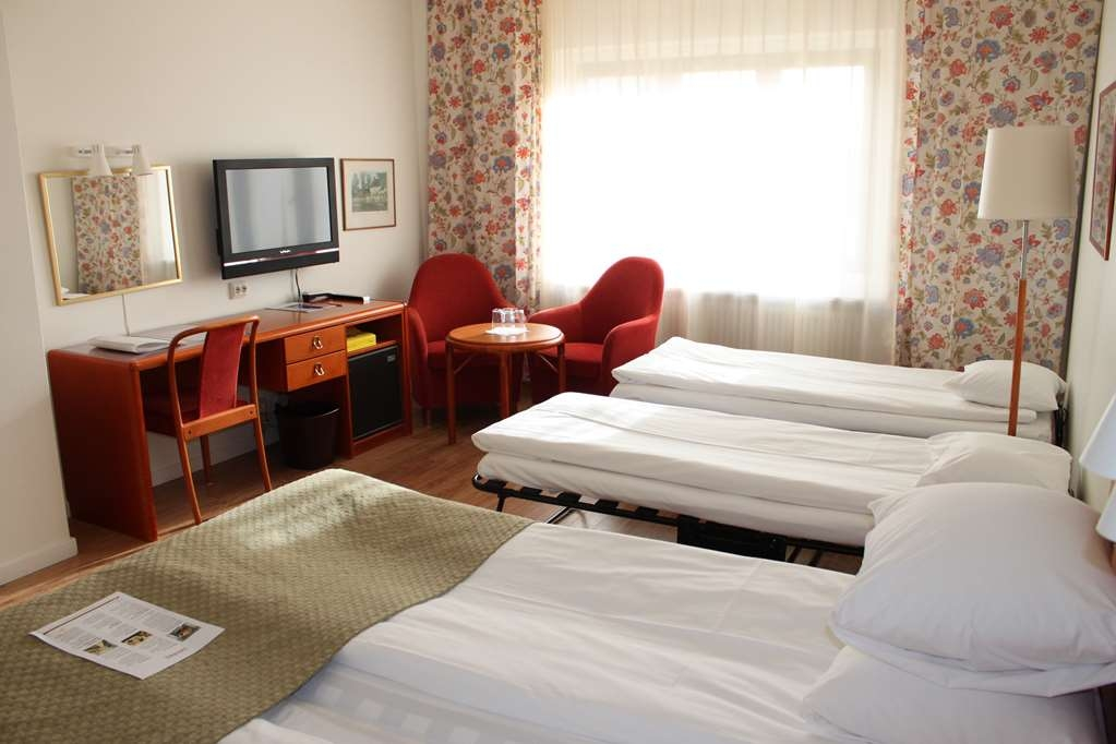 Hotel Lorensberg, Sure Hotel Collection by Best Western - Guest Room with 2 single beds + 2 extra beds (max 2 adults per room)