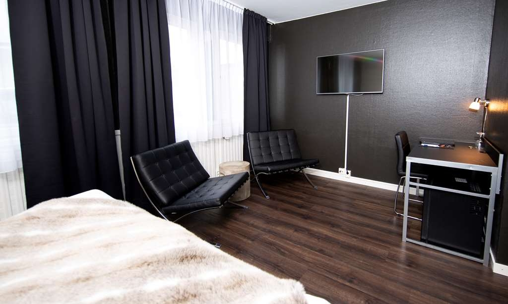 Sure Hotel by Best Western Algen - Standard Room with Two Twin Size Beds