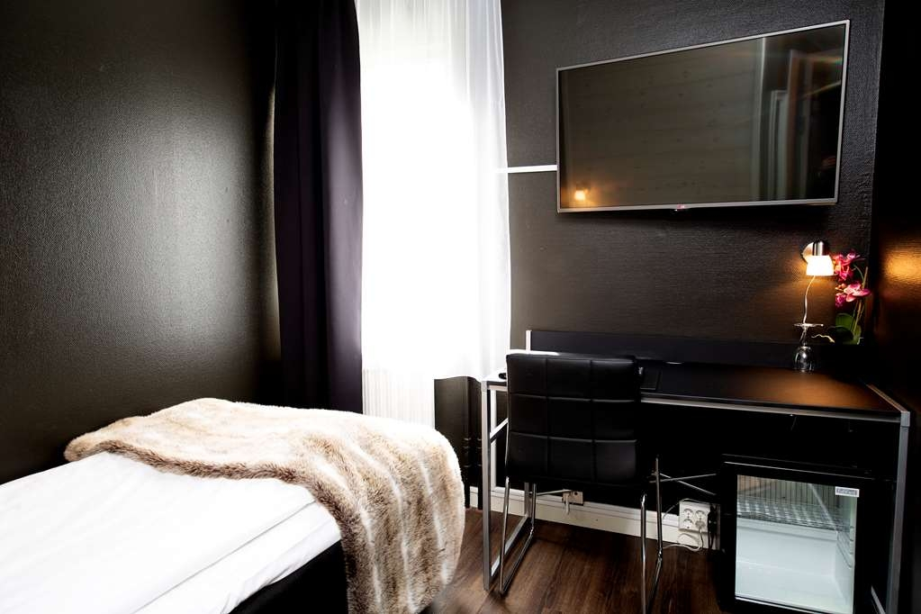 Sure Hotel by Best Western Algen - Standard Room with One Twin Size Bed