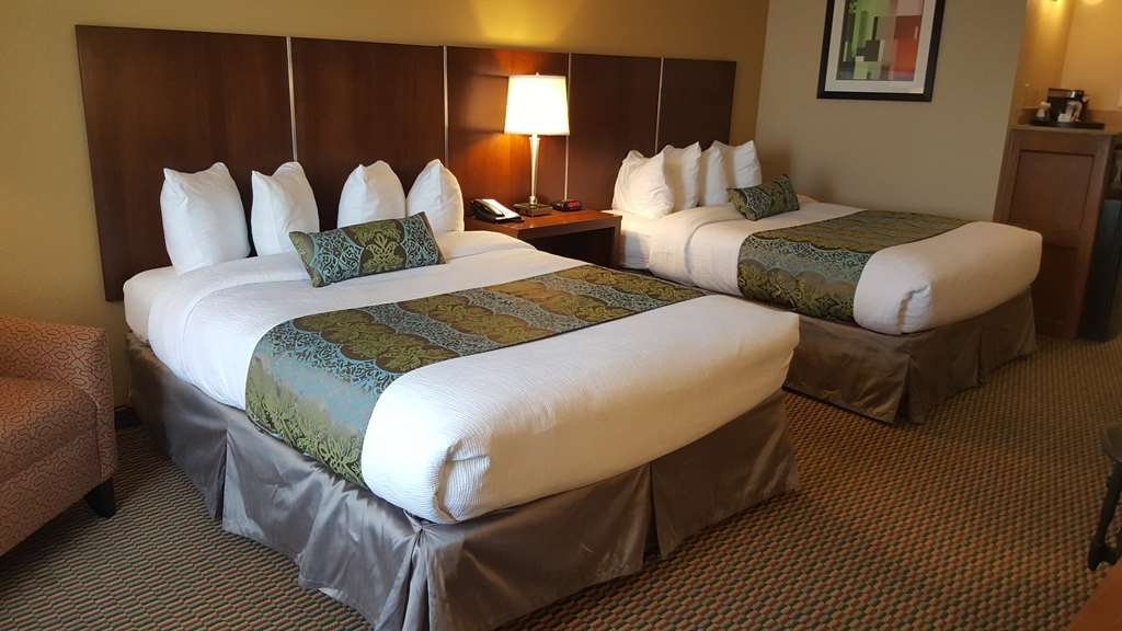 Best Western Plus Airport Inn & Suites - Stretch out and relax in the two queen bed guest room.