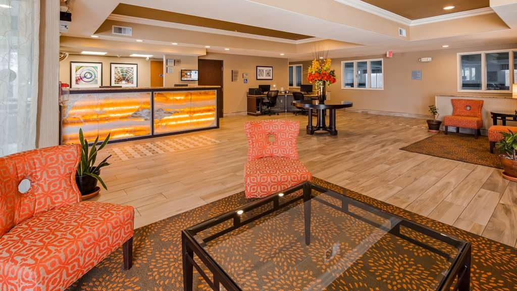 Best Western Plus Airport Inn & Suites - Front Desk