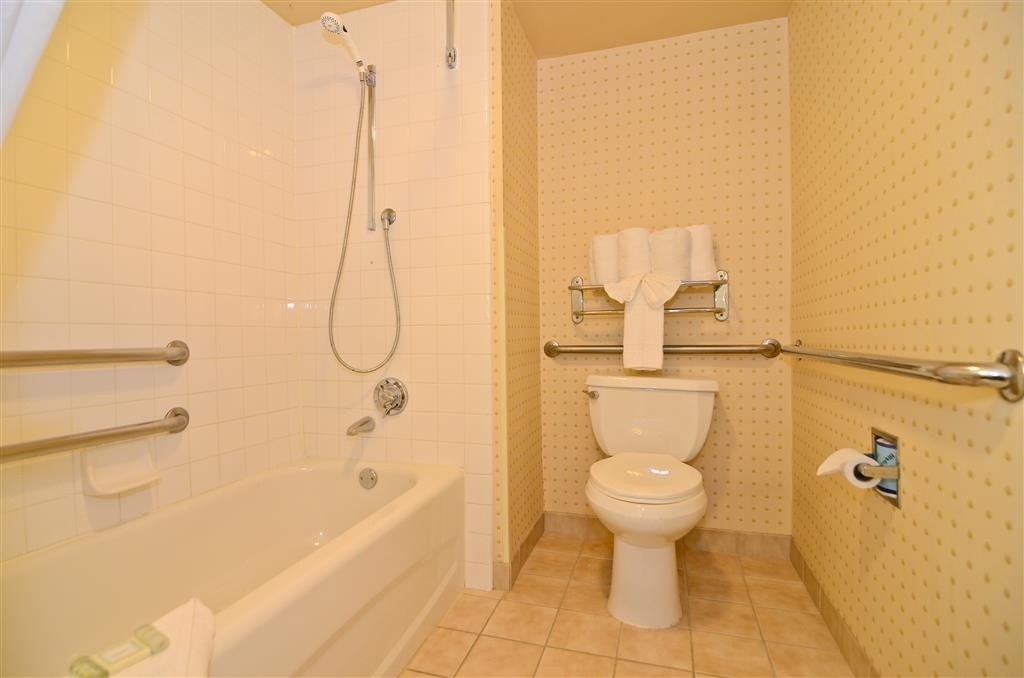 Best Western Mission Bay - Bagno accessibile con sedia a rotelle