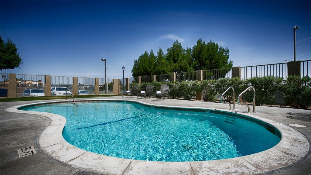 Best Western Plus John Jay Inn & Suites - Vue de la piscine