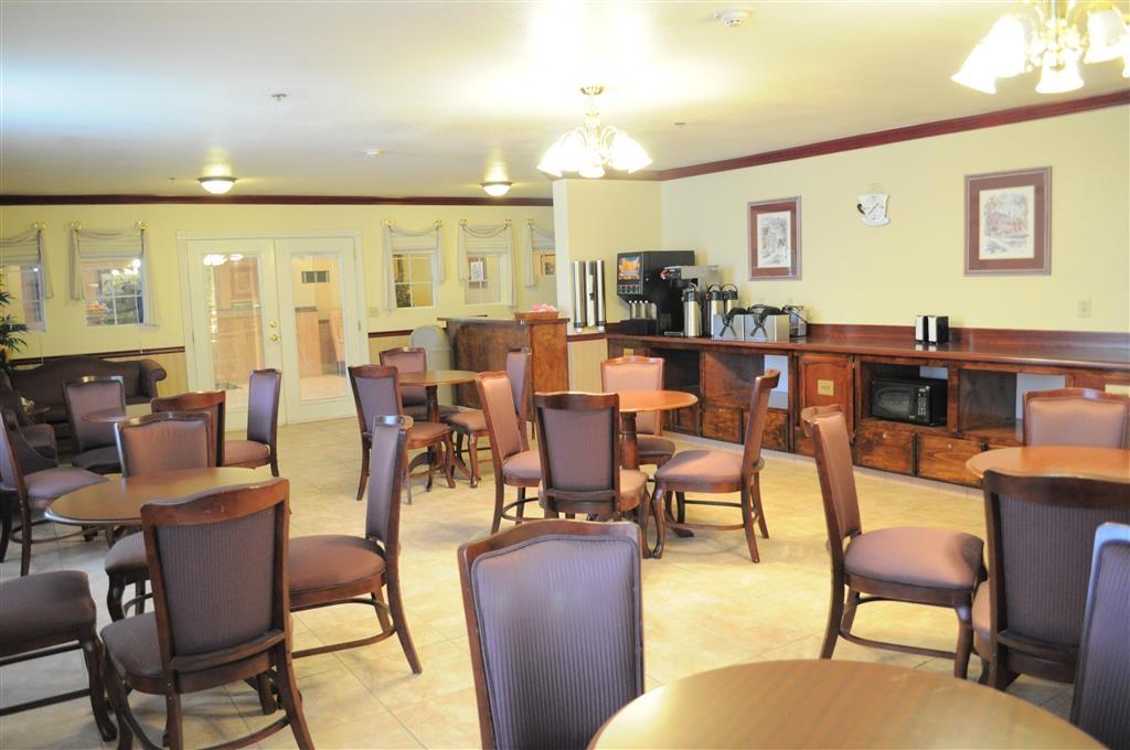 Best Western Plus John Jay Inn & Suites - Salle de petit déjeuner