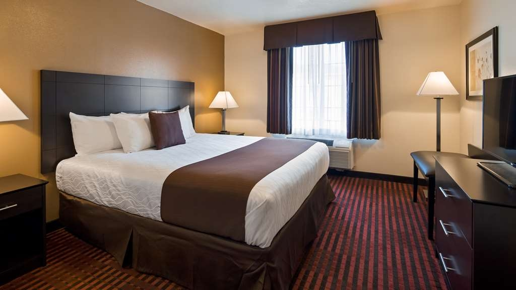 Best Western Plus Salinas Valley Inn & Suites - Make yourself at home in our Guest room with one king bed.