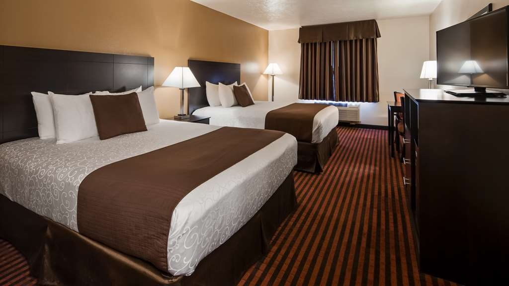 Best Western Plus Salinas Valley Inn & Suites - Make yourself at home in our Guest room with two queen beds.