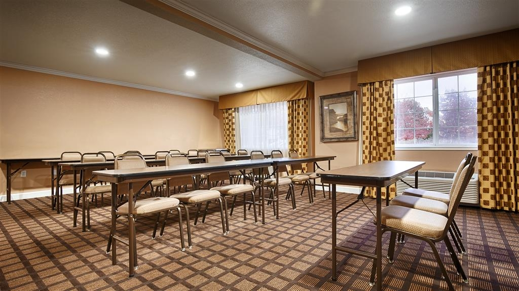 Best Western Orchard Inn - Neet to schedule a meeting? Book our Meeting Room