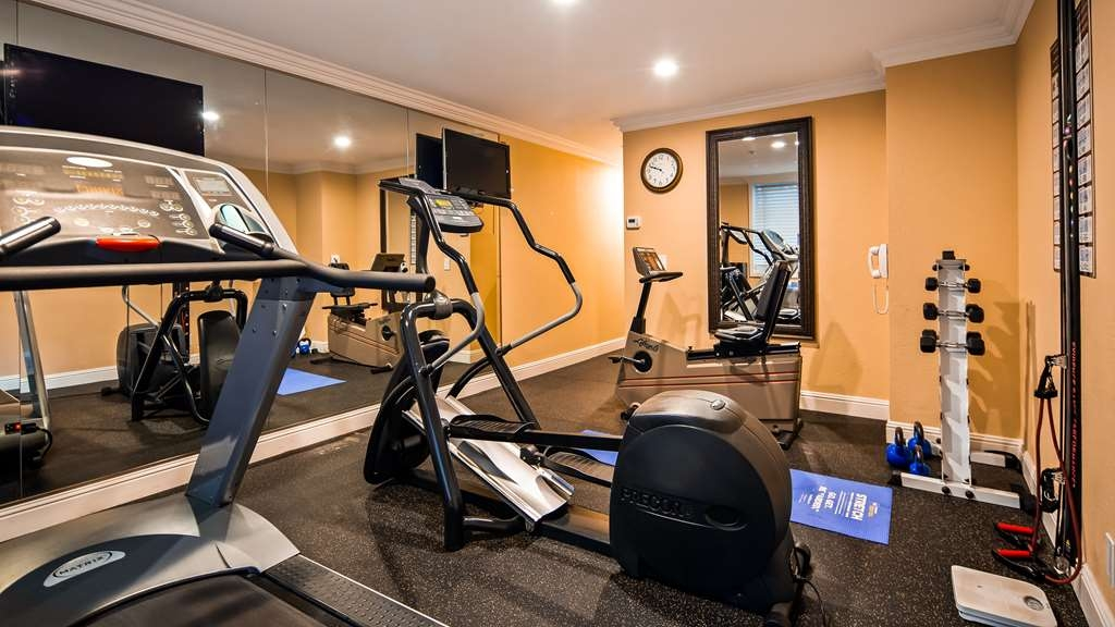 Best Western Plus Airport Plaza - Health club