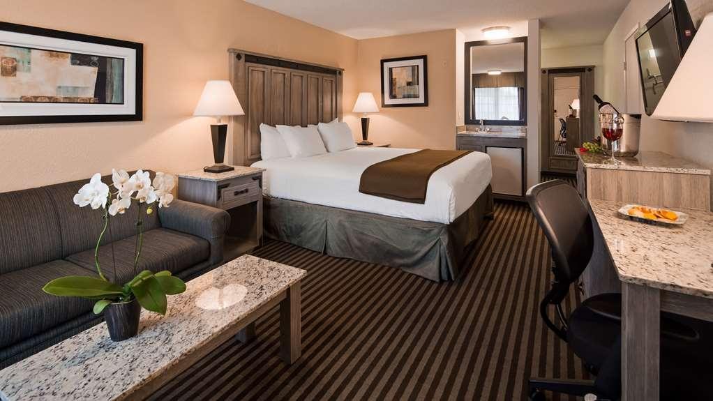 Best Western Americana Inn - Habitaciones/Alojamientos