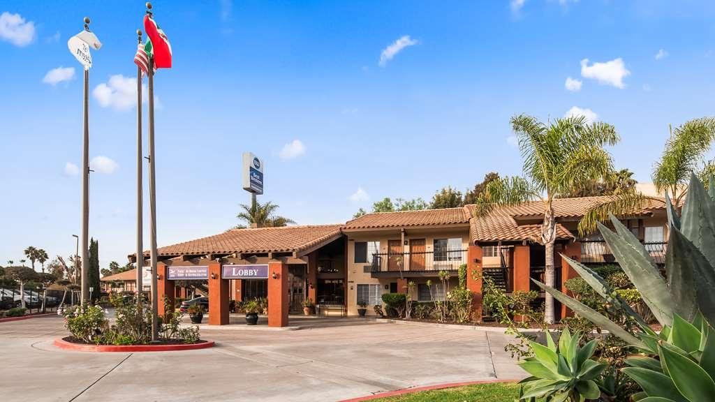 Best Western Americana Inn - Vista Exterior