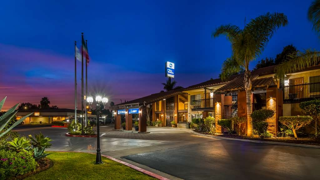 Best Western Americana Inn - Façade