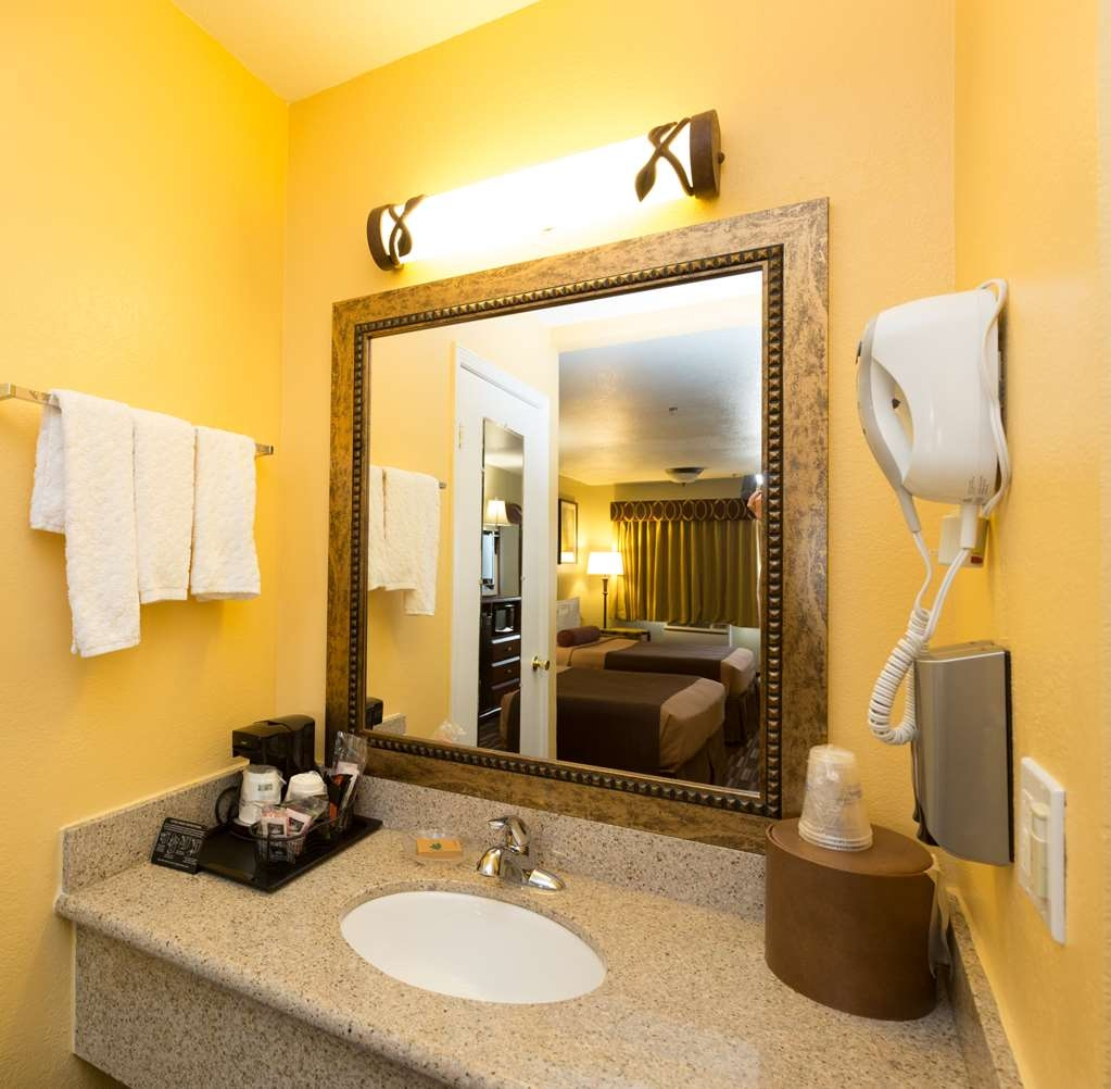 Best Western Desert Winds - Guest Bathroom Vanity