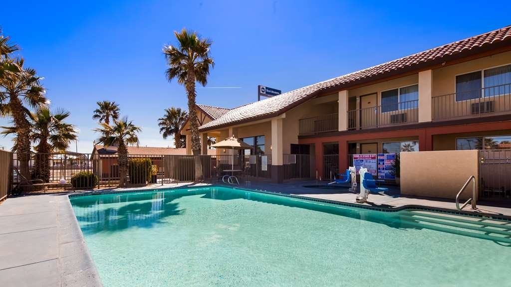 Best Western Desert Winds - Outdoor Pool