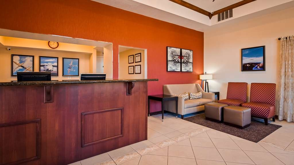 Best Western Desert Winds - Front Desk