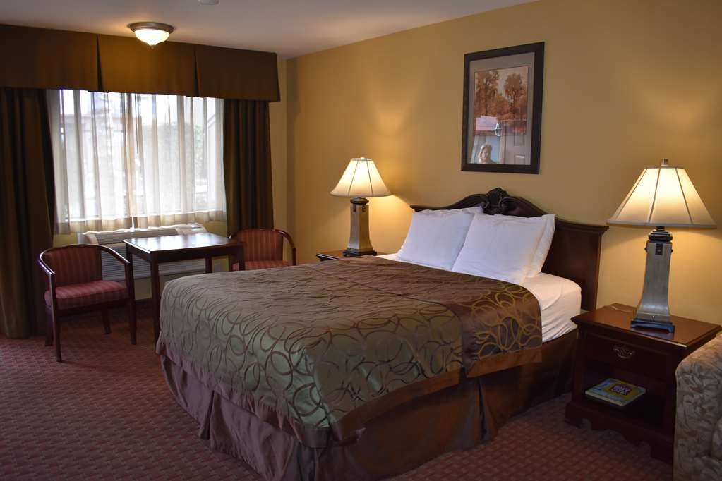 Best Western Big Country Inn - Make yourself at home in our comfortable guest rooms.
